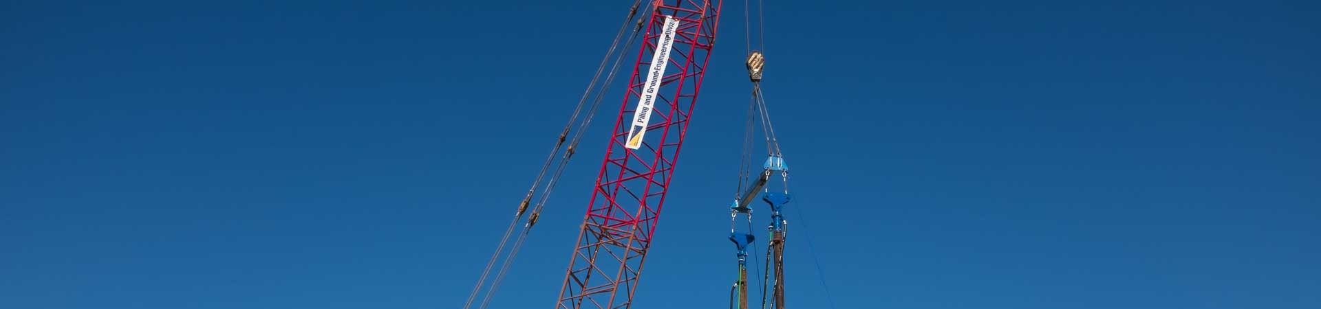 Crane based tandem attachment