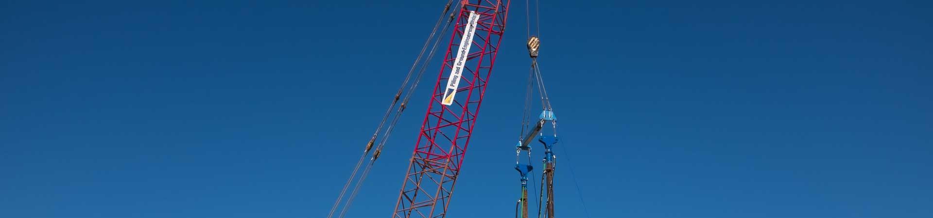 Crane based tandem attachment