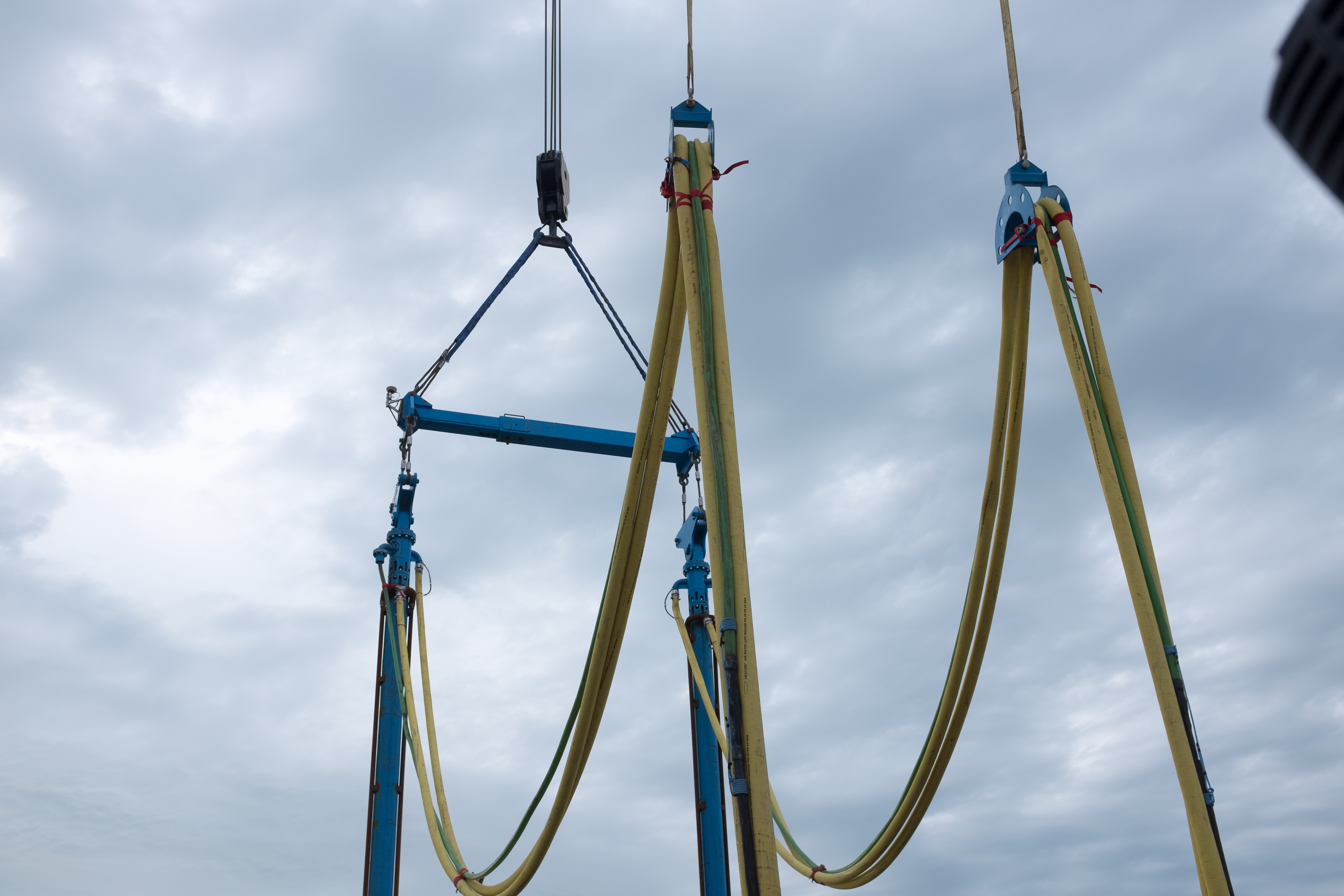 Tandem Beam to carry two vibroflots on one crane